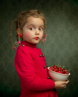20120131000322-cerezas-cherries-nena-little-girl.jpg