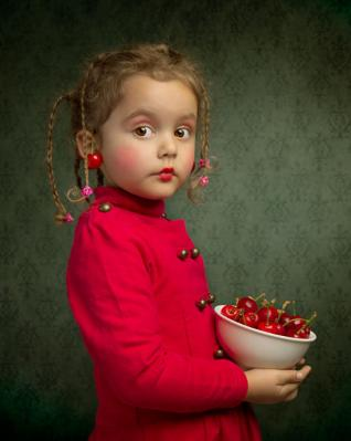 20120131000322-cerezas-cherries-nena-little-girl.jpg